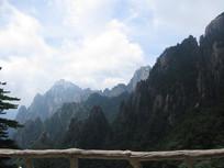 蓝天高山风景图片