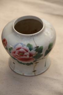 老物件牡丹图案腰形罐