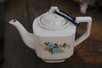 老物件五彩花纹方形茶壶