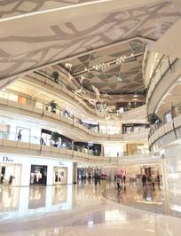 上海国金中心商场室内