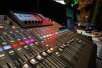 音控台DJ