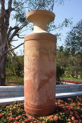 三国人物雕刻陶瓶