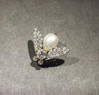 珍珠钻石饰品