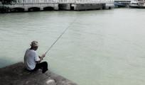 钓鱼的老人