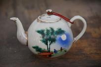 老物件松月图案白瓷茶壶