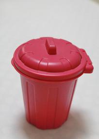 红色塑料盖筒