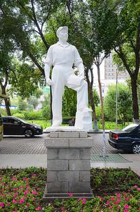 解放军战士雕刻