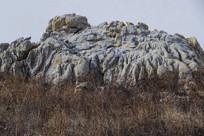 石头沟壑纵横