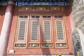 广仁寺里的特色镂空窗花