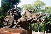 战士骏马战车奔跑雕塑