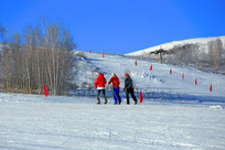 滑雪场上的运动员