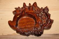 木雕的烟灰缸