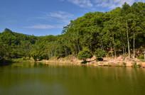 平静的湖面