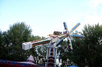 游乐园旋转风车