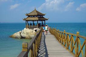 蜈支洲岛的情人桥