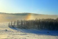 雪地山林晨雾