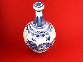 青花瓷酒壶图片