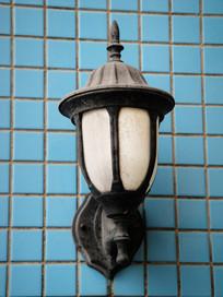 老旧的壁灯
