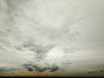 石化工业滚滚云团天空