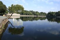 水中倒影风景