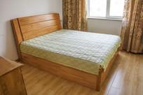 橡木双人床