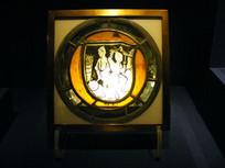 15世纪黑珐琅彩色拼花窗玻璃