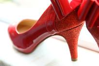 红色高跟鞋水晶鞋