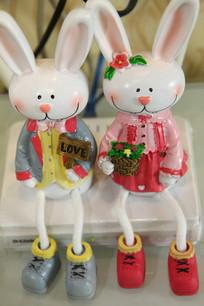 两只兔子相守一生