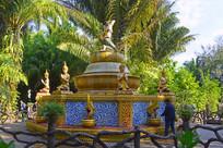 傣族持蛇女神喷泉雕塑