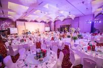 粉紫舞台灯光设计