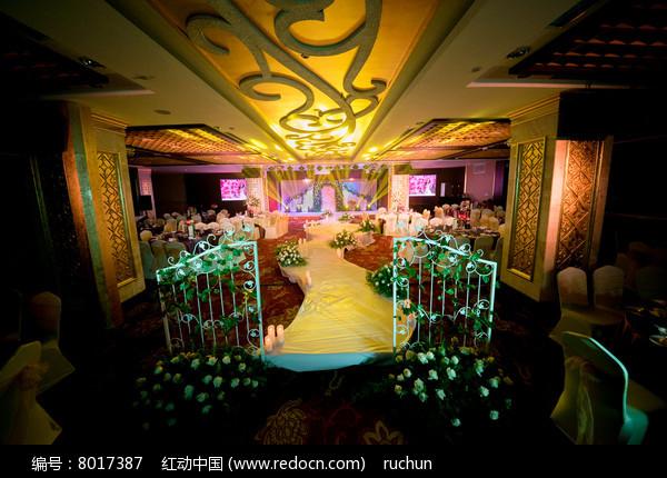 花卉婚庆舞台灯光设计图片