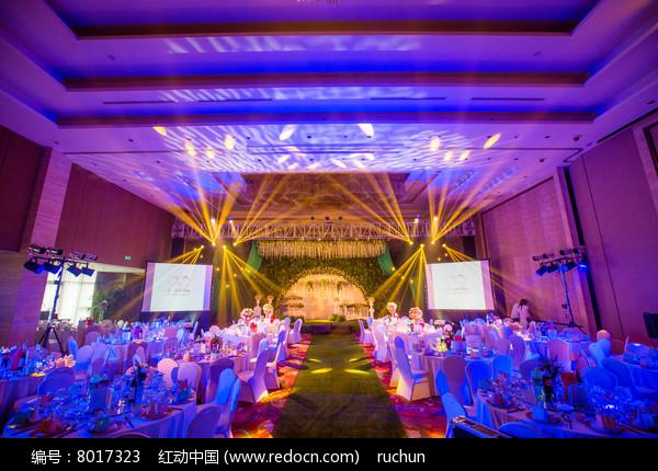 婚礼舞台灯光设计图片