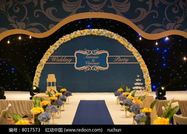婚庆舞台布置图片
