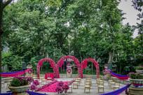 户外花艺拱门婚礼布置