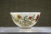 雍正五彩花卉纹碗