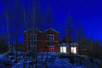 月光下森林中欧式别墅