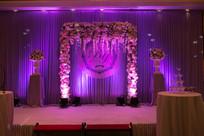 紫色背景婚礼舞台