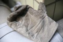 废旧的工人手套