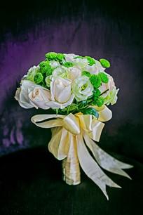婚礼白绿花束