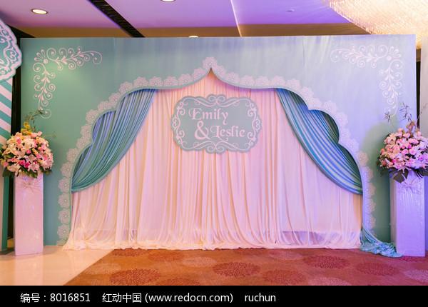 婚礼背景布置图片