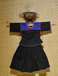 毛南族女子服饰