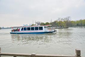 南湖机动游船