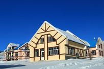 欧式别墅雪景