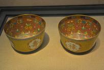 文物粉彩花卉福禄寿喜纹瓷碗