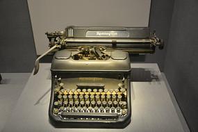 文物英式打字机