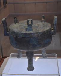 文物青铜鼎