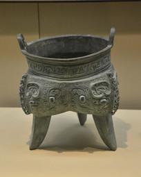 文物兽面纹青铜鼎