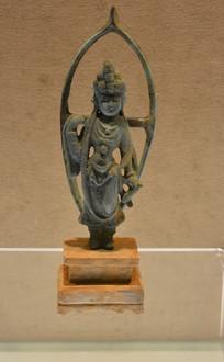 文物陶座铜观音像