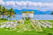 草坪海边婚礼