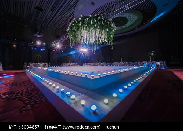 大型舞台婚庆布置图片